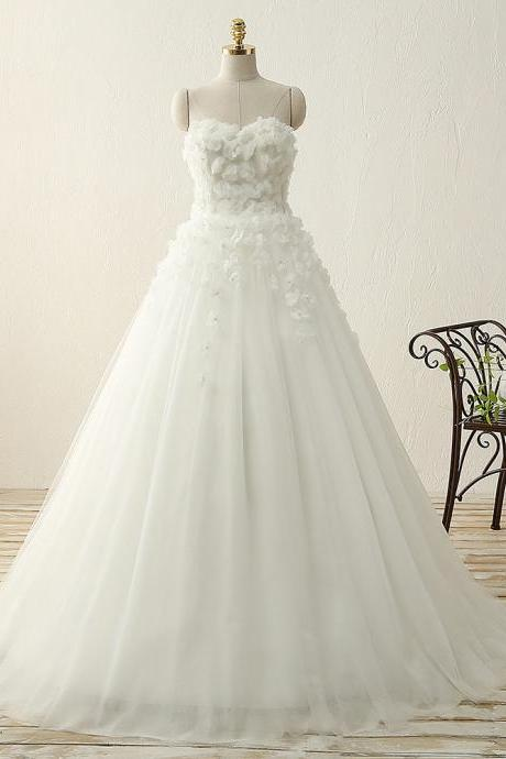 Strapless Sweetheart Tulle Wedding Dress with Decorative Handmade Flowers